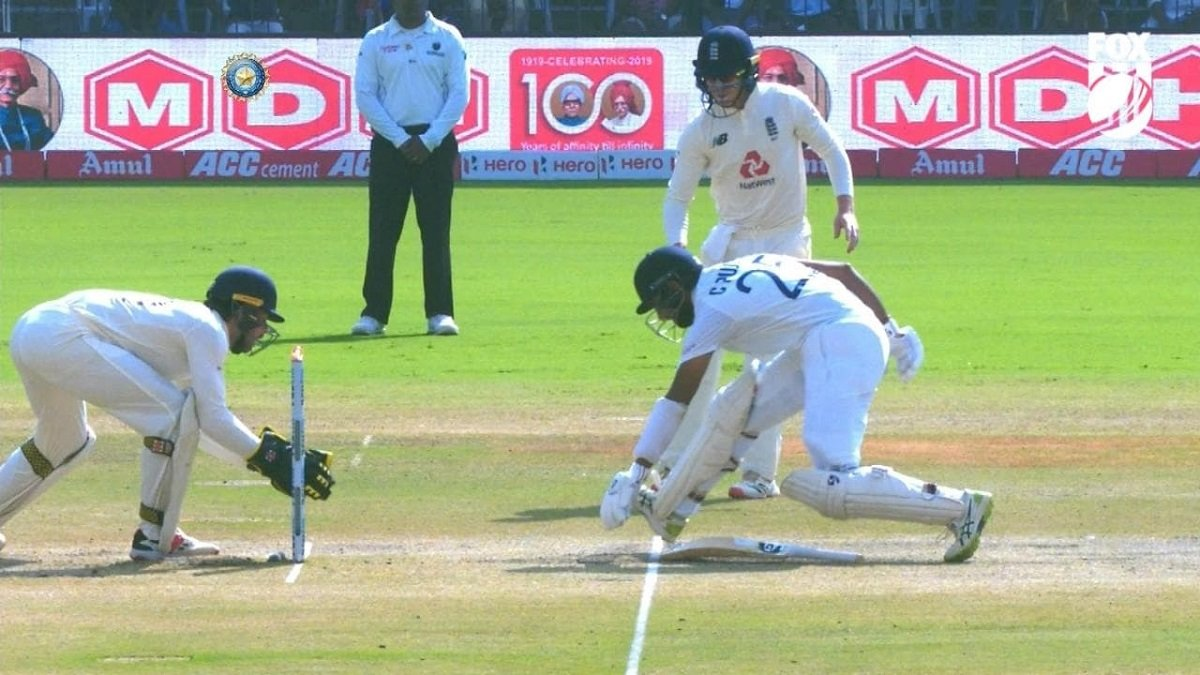WATCH: Pujara's unorthodox run-out during India's second innings, IND 100/5 on Day 3