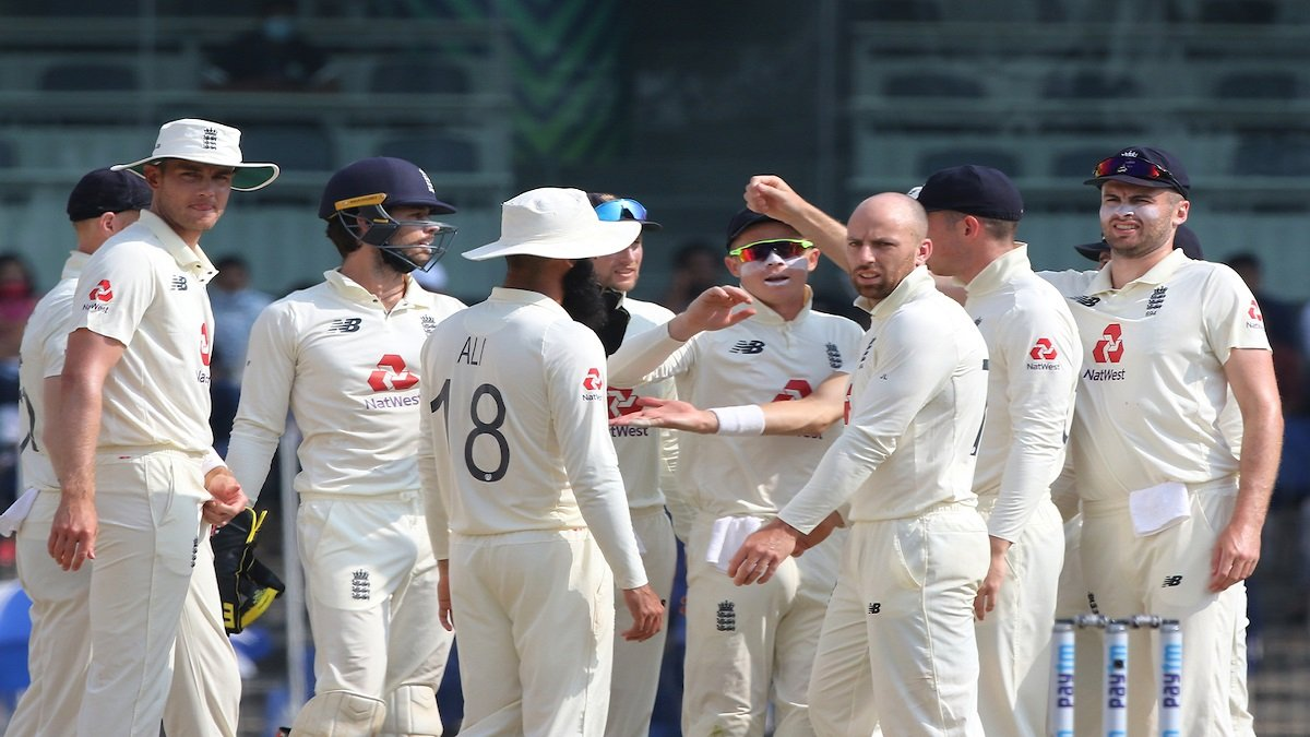 Kohli led from the front after losing early wickets, IND are 156/6 at Lunch, lead past 350-run mark