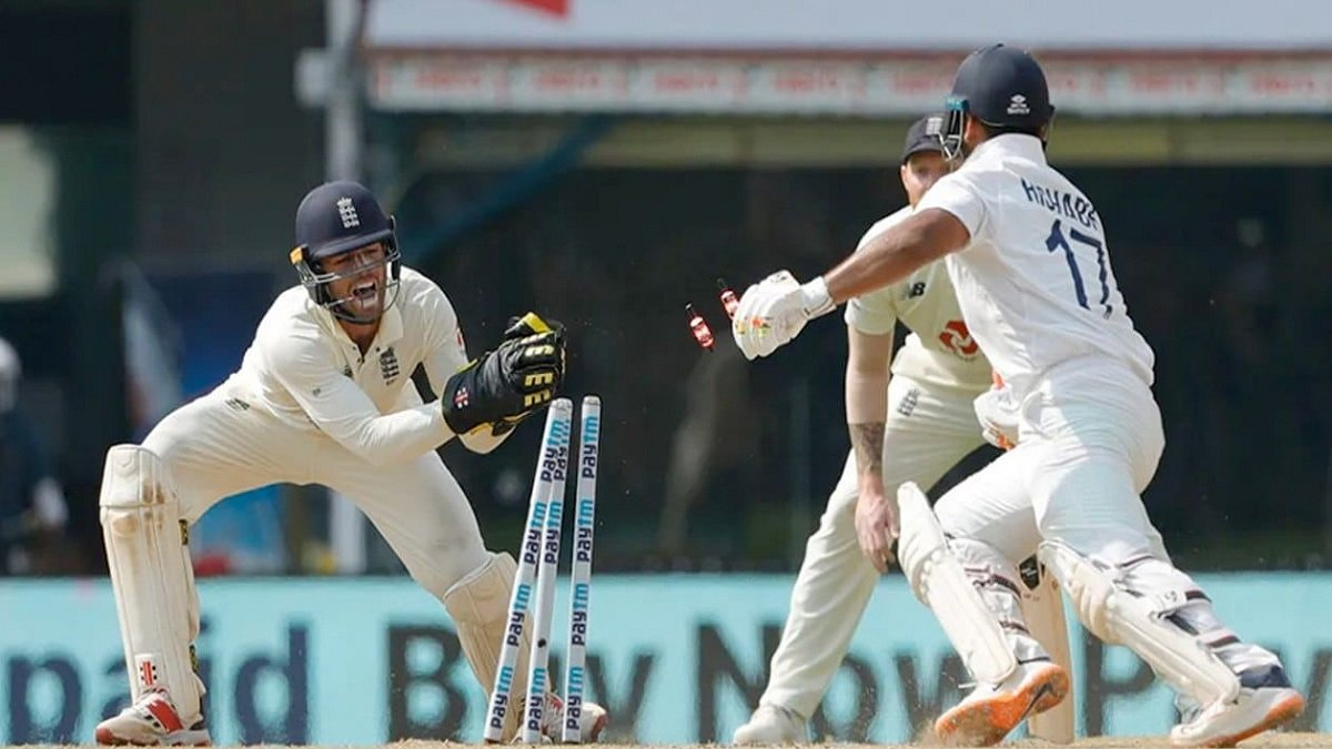 Birthday Boy Ben Foakes marks with scintillating 'Glove-work' behind Stumps to keep India in check