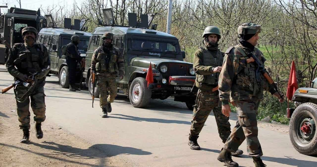 Terrorists attacked joint team of Police and CRPF in Sopore, Two policemen lost their lives