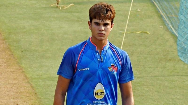 Arjun Tendulkar spotted with Mumbai Indians Squad, fans curious