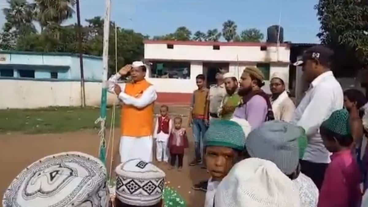 Bihar New Education Minister Mewalal Chaudhary unable to sing the 'National Anthem', video goes viral