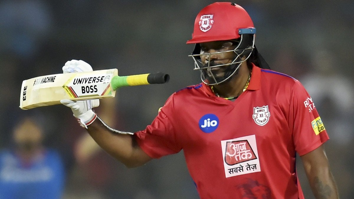 IPL 2020 KXIP VS RCB West Indies star Chris Gayle chilling out with his teammates of Kings XI Punjab, soon join KXIP squad