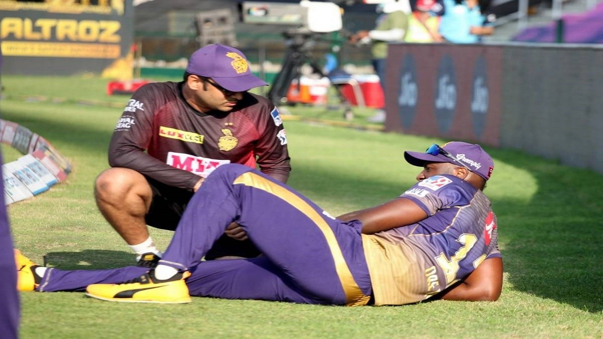 KKR vs KXIP IPL 2020: Knight Riders key player Russell gets injured while attempting to save a boundary