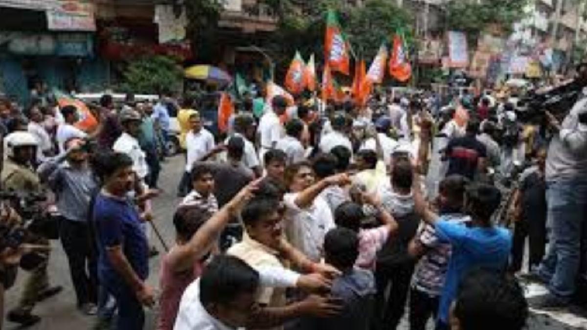 TMC VS BJP: Mamta's goons attacked protestors in Amphan, says BJP