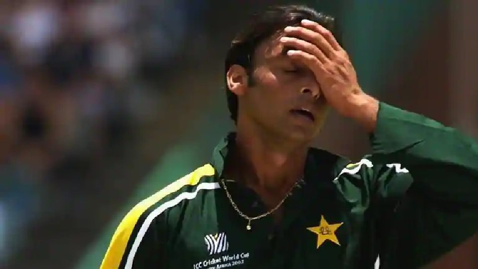 """""""Will eat grass but Pakistani Army budget should be raised"""", says Shoaib Akhtar"""